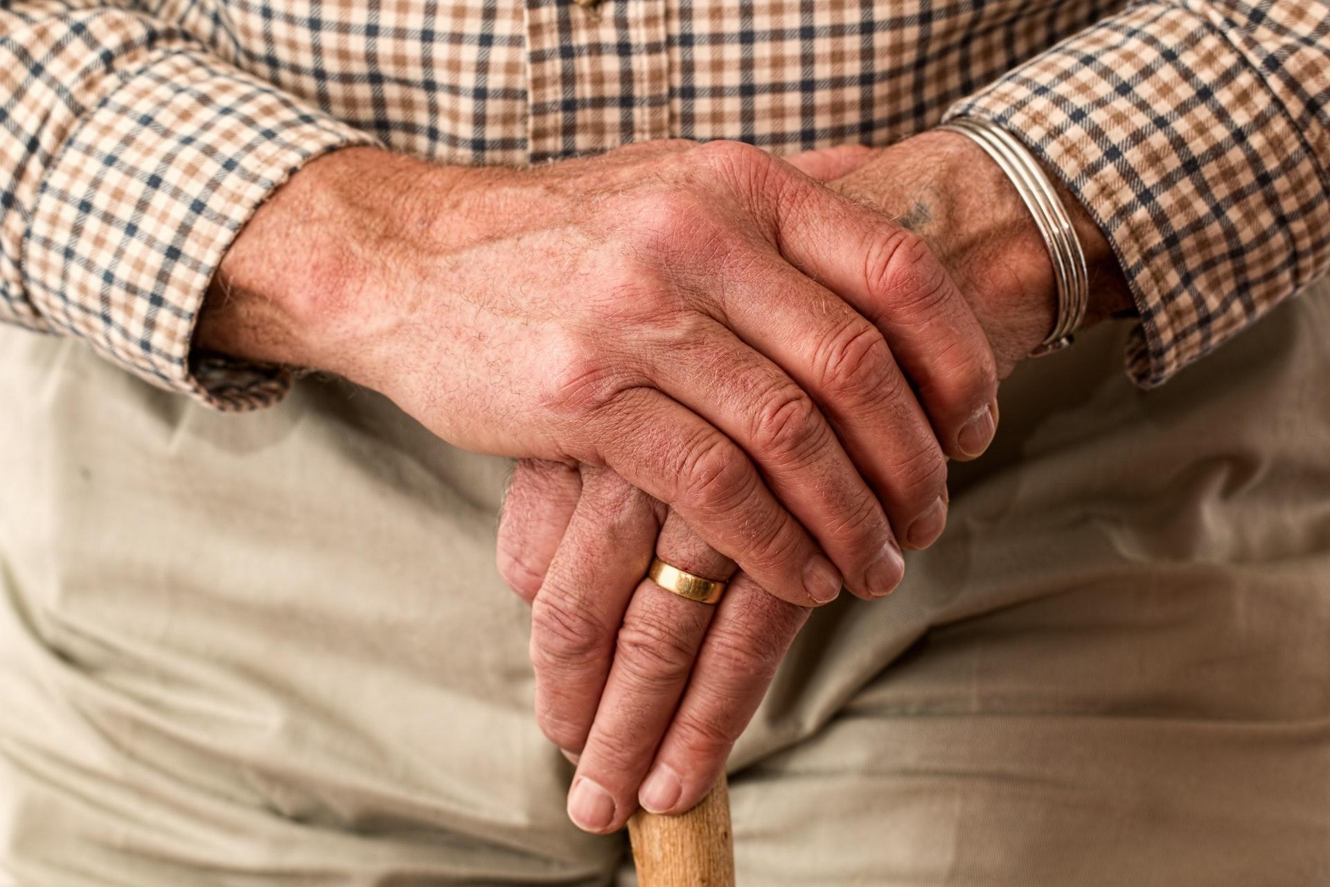 Los mayores de 70 años pueden salir durante la cuarentena, lo que debes saber